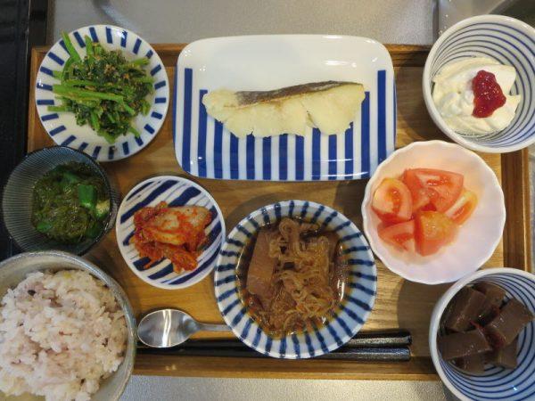 焼魚(タラ)メインの献立(17-12-3)