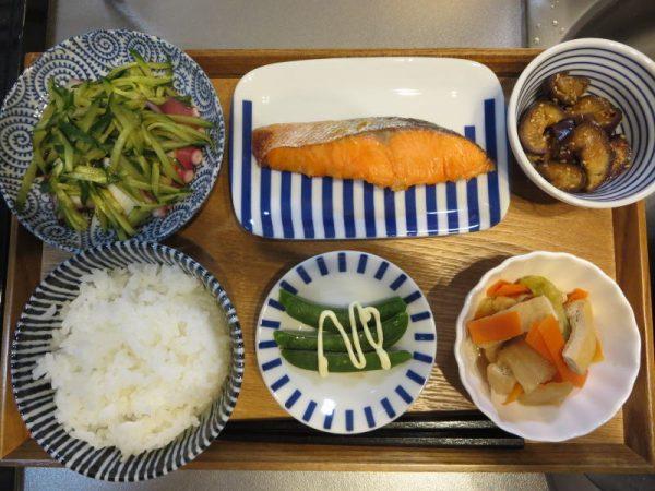 焼魚(鮭)メインの献立(180122昼ごはん)
