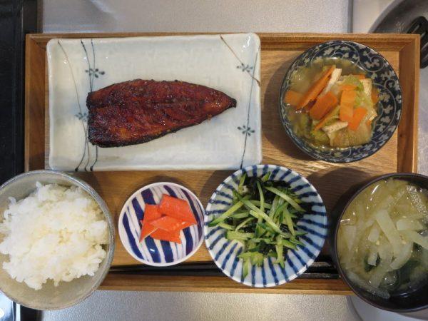 焼魚(サバ)メインの献立(180123朝ごはん)