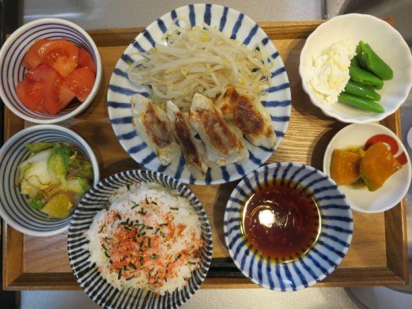 焼き餃子メインの献立(180128昼ごはん)