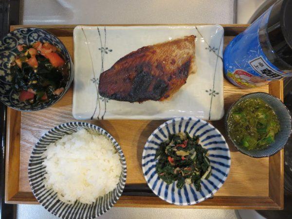 焼魚(赤魚)メインの献立(180211朝ごはん)