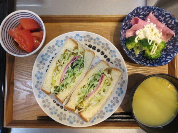 野菜サンドメインの献立(180216朝ごはん)