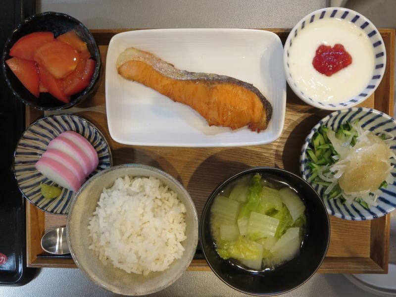 焼魚(鮭)メインの献立(180128朝ごはん)