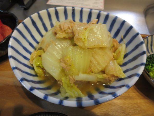 白菜とツナ缶の蒸し煮