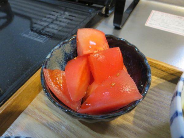 トマトドレッシングかけ