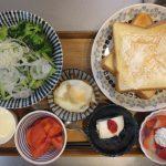 トースト(クリームチーズ)メインの献立(2018年4月7日の朝ごはん)