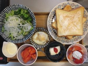 トースト(クリームチーズ)メインの献立(180407朝ごはん)