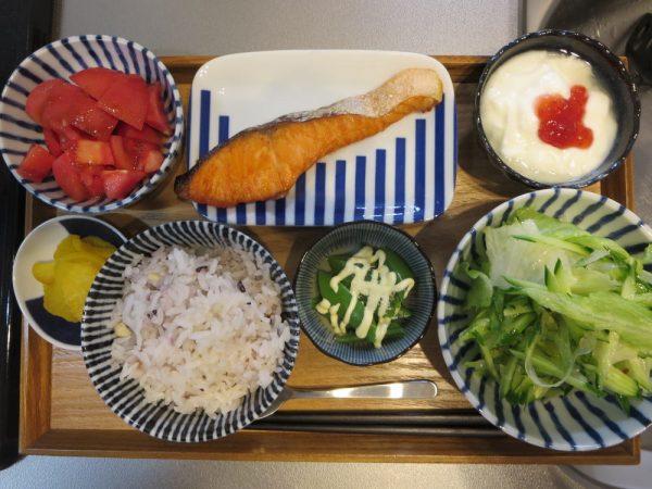 焼魚(鮭)メインの献立(180416朝ごはん)