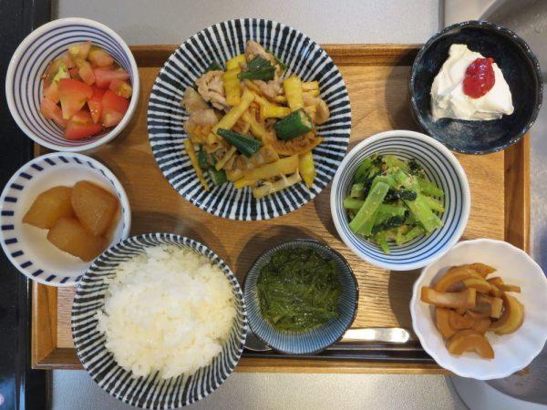 豚肉と竹の子の炒め物メインの献立