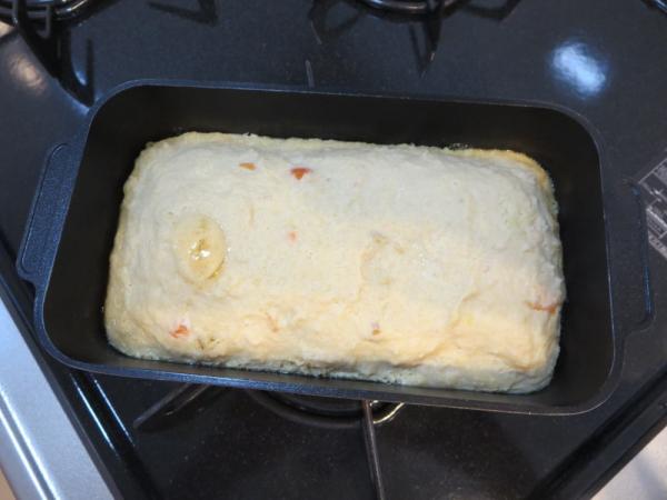 卯の花入りミートローフの種をトースターパンで焼く