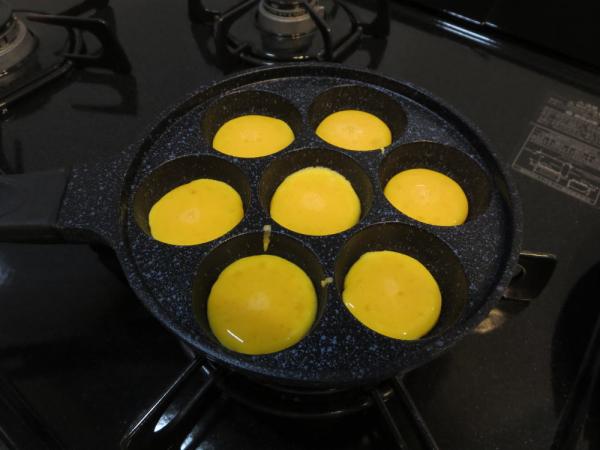 コロコロ♪ひとくちボール焼でコロコロオムライス