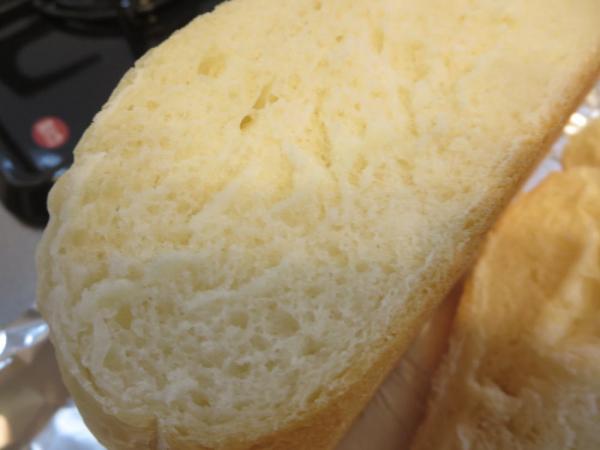 炊飯器で丸パンを焼いた