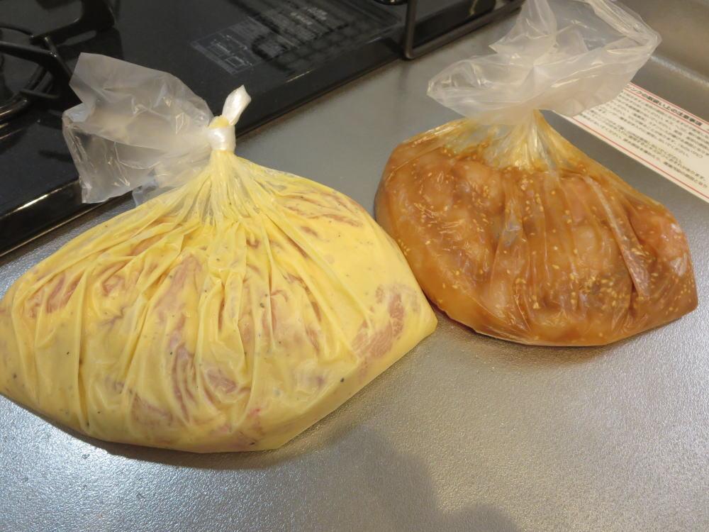 鶏むね肉2種類(甘味噌中華味、コンビニ風チキン)下ごしらえ、冷凍保存(みきママレシピ本参考アレンジ)