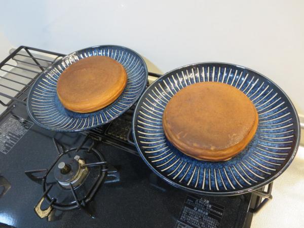 厚焼きパンケーキプレートでホットケーキ