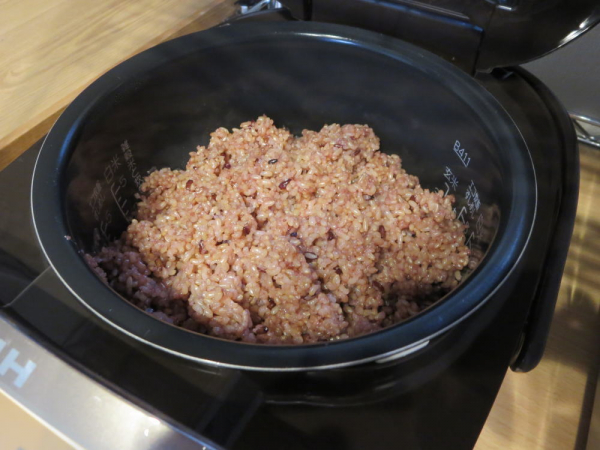 保温17時間の玄米+黒米のごはん