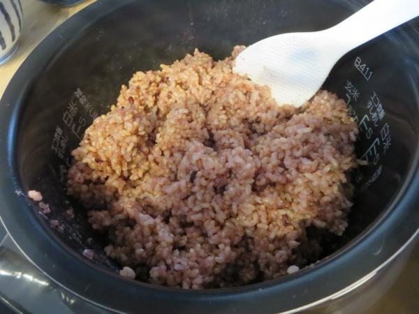 保温21時間の玄米+黒米のごはん
