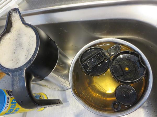 コーヒーポットの漂白洗浄