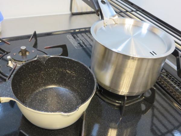 片手鍋14cm(パール金属)とマメコレミニミルクパン