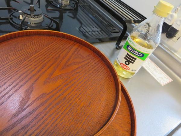 丸盆(トレイ)のニオイを酢で軽減