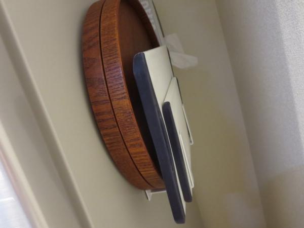 丸盆とまな板をトレーホルダーに収納してみた所