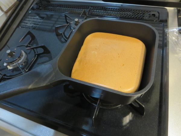 スマートフライパンsutto(スット)でホットケーキを焼く