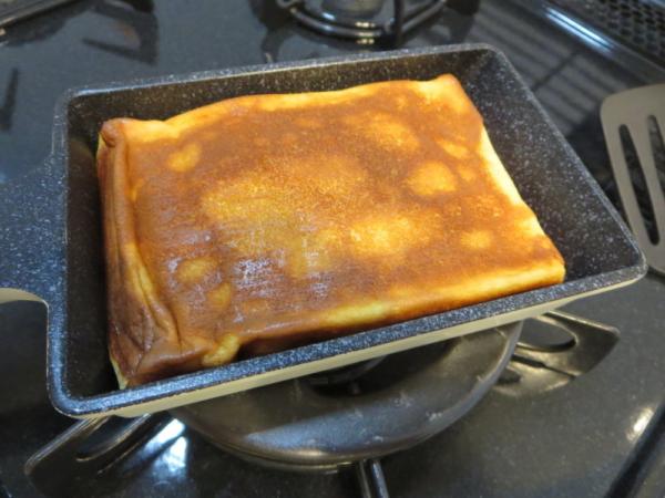 ミニ卵焼きフライパンで焼く