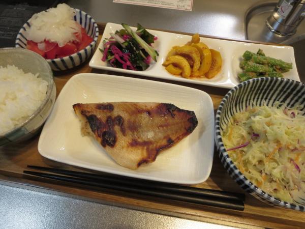 赤魚の焼魚メインの献立