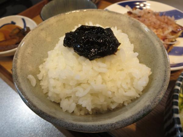 ごはん(海苔の佃煮のせ)