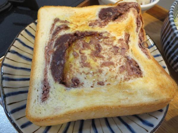 食パン(あんこパン)