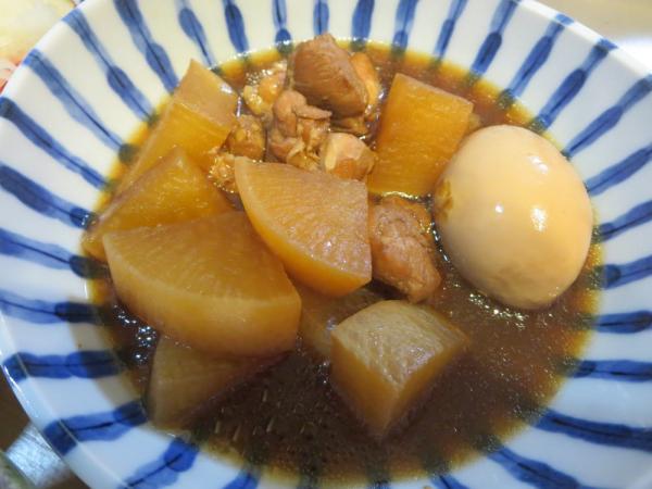 鶏肉と大根と卵の酢醤油煮