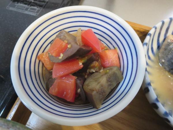 トマトとナスの甘酢醤油漬けの和え物