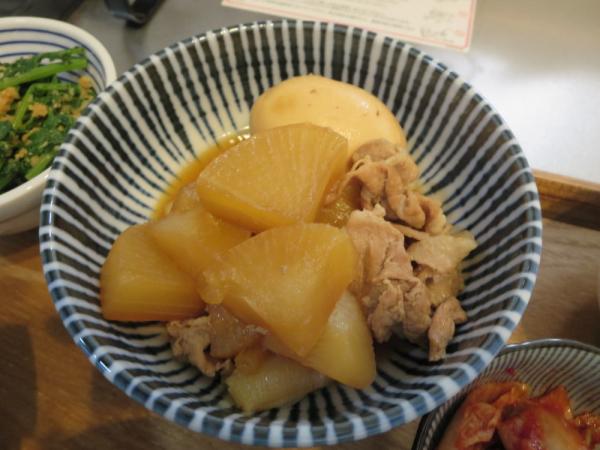 大根と豚肉の煮物(煮卵付き)