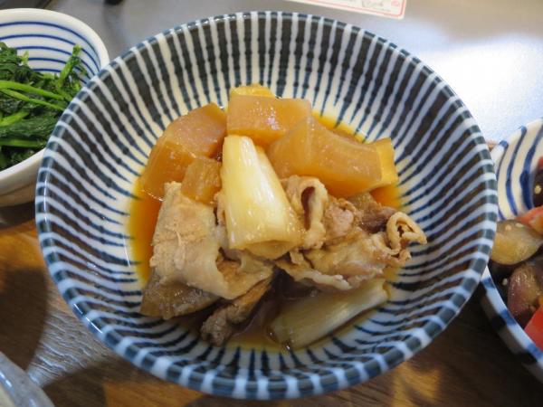大根と豚肉の煮物