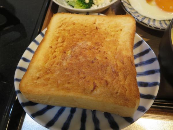 トースト(乃が美(のがみ)「生」食パン)