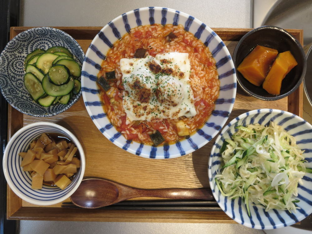 マンナンヒカリのトマト雑炊の献立