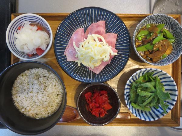 マンナンヒカリ雑炊(お茶漬けの素煮)の献立