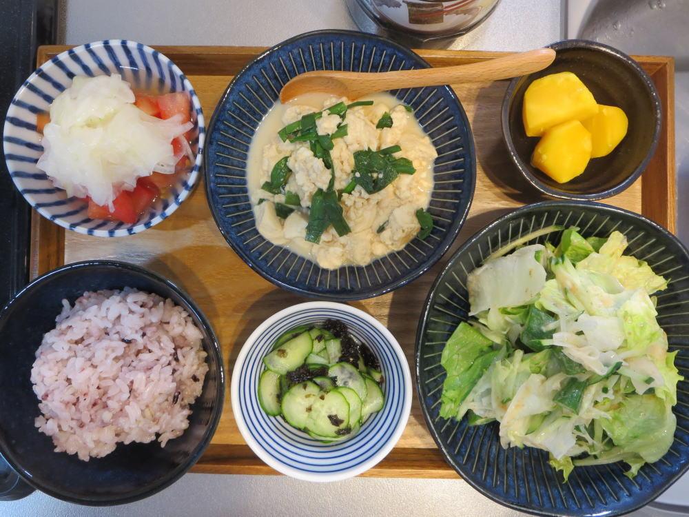 豆腐とニラの炒め物の献立