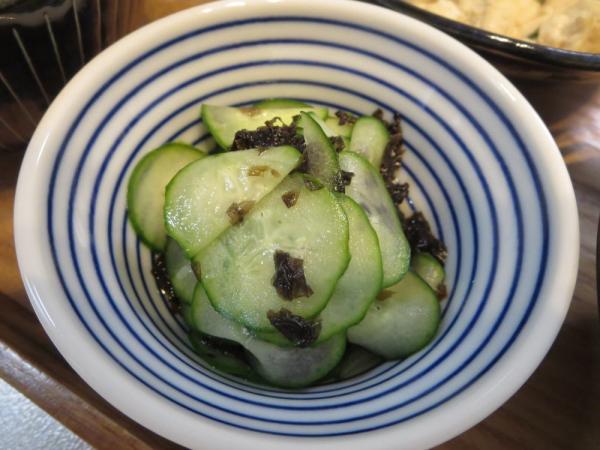 きゅうりとえごまジャバンのり(韓国のりふりかけ)の酢の物