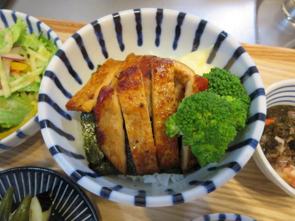 焼肉丼(味付け豚ロース)