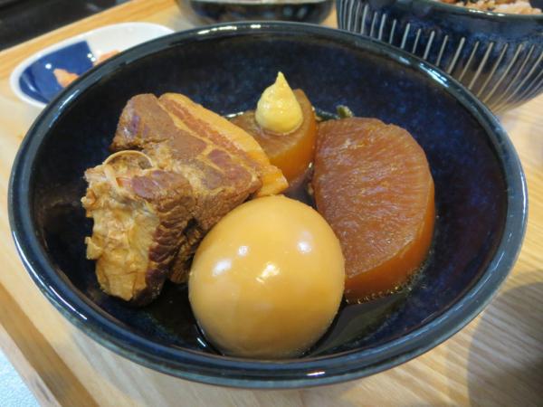 豚の角煮(大根、たまご)