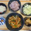 キャベツと魚肉ソーセージ(ハンバーグ風)のソテーの献立