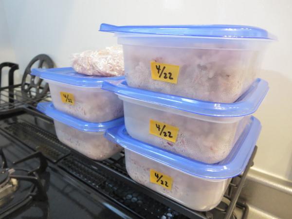 ごはん(黒米入り)小分けにして冷凍保存