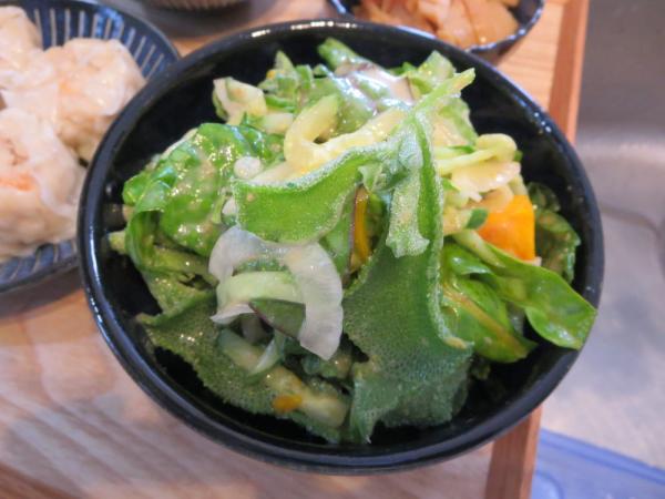 野菜サラダ(スイスチャード、アイスプラントなど)