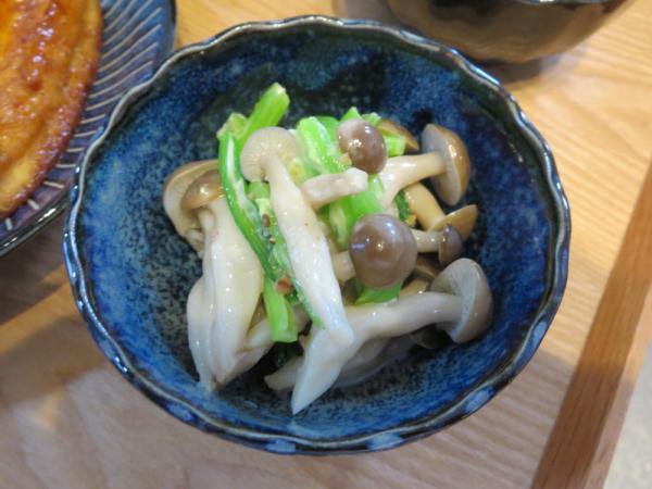 しめじと小松菜の和え物