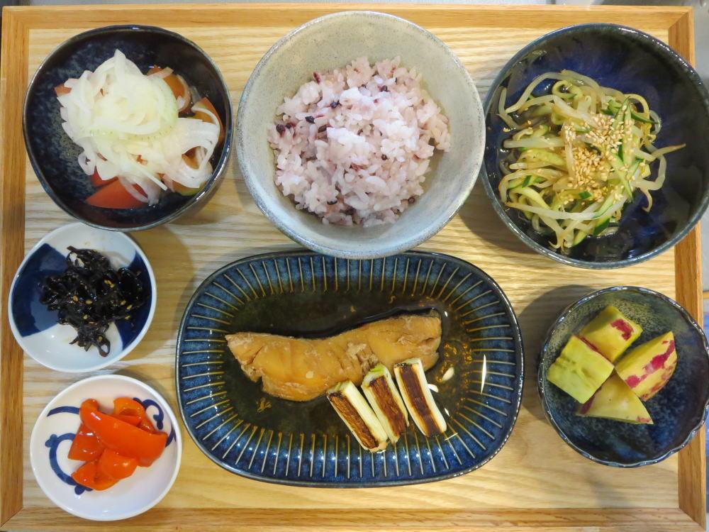 たらの煮魚(焼きネギ添え)の献立