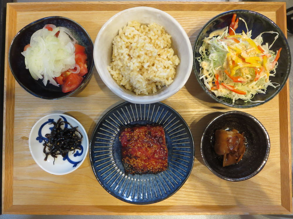 焼魚(さばのみりん干し)と発芽玄米ごはんの献立