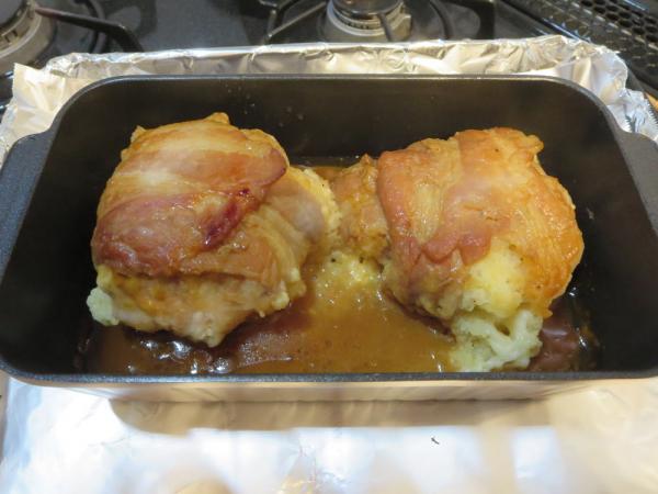 トースターパンでマッシュポテトの豚肉巻きが焼けました