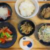 魚肉ソーセージとパプリカの炒め物の献立