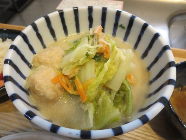 白菜と肉団子の豆乳煮