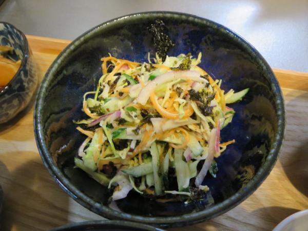 千切り野菜のサラダ